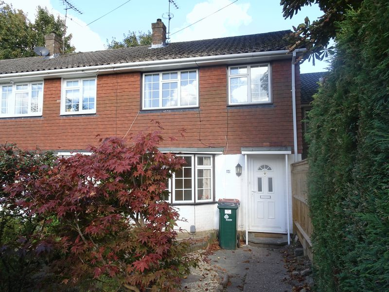 Lyndhurst Close, Crawley